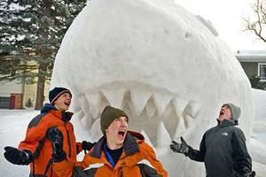 又到一年大雪时,来看雪人兄弟的震撼作品