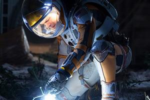 登陸火星只差一件性感的宇航服