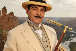 女王青睐的侦探已经戴上了巴拿马草帽