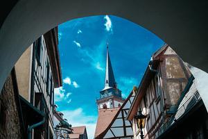 游览德国奥伯乌尔泽尔 一览历史古城真容