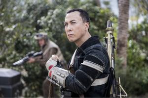 《侠盗一号:星球大战外传》正式海报曝光 姜文、甄子丹背水一战
