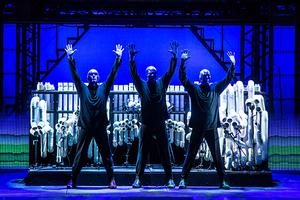 风靡全球25年《蓝人秀》巡演北京 在天桥剧院观看美式创意戏剧