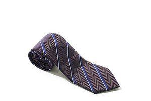 你的衣橱永远少一条更精致的领带