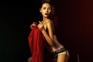 红色魅惑女郎