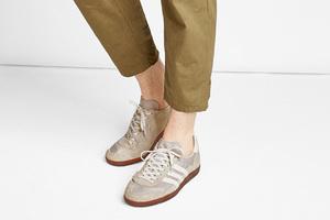 搭配一切的复古运动鞋
