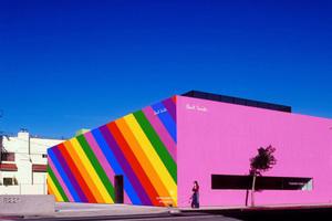 六月去洛杉矶,记得去Paul Smith彩虹墙打卡