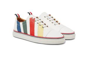 小白鞋升级换彩色包装了