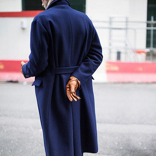 做暖男 不妨穿一件可以把她罩起来遮风避雨的大衣