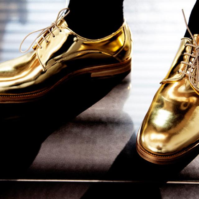 未来感金属鞋