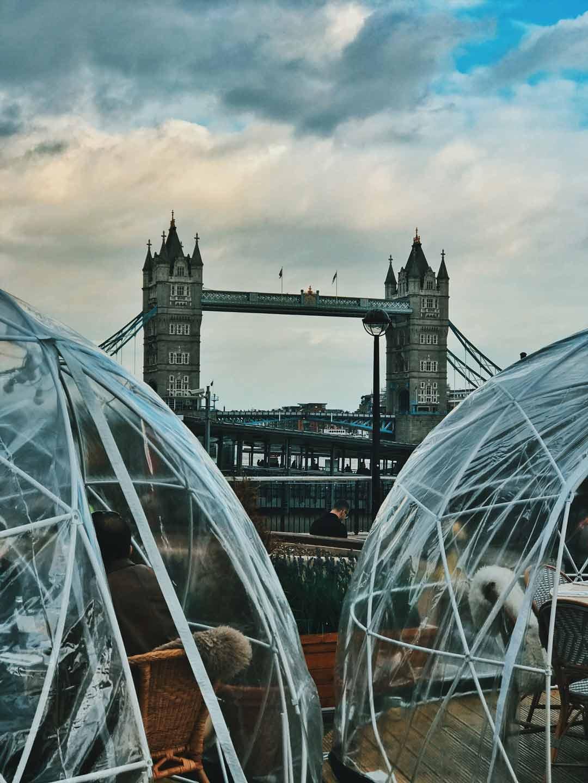 一年四季都坐在室外,又不用擔心天氣問題,還可以欣賞倫敦大橋的美景