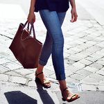 平底涼鞋大全 沒有高跟鞋的夏天照樣美的驚人