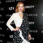 杰西卡·查斯坦 (Jessica Chastain) 身着 Givenchy 出席电影《女先行者》 (The Woman Walks Ahead) 纽约首映礼