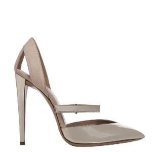 Giorgio Armani乔治·阿玛尼裸色尖头细跟高跟鞋