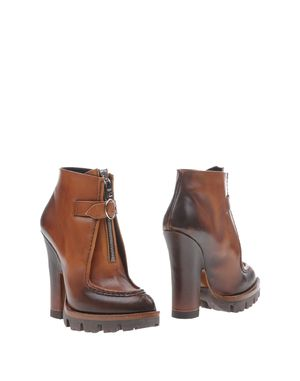棕色 PRADA 短靴