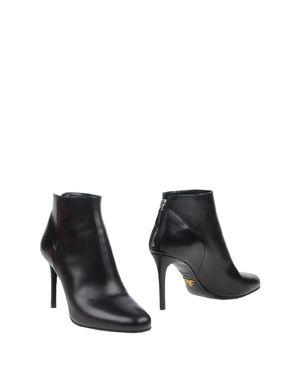 黑色 PRADA 短靴
