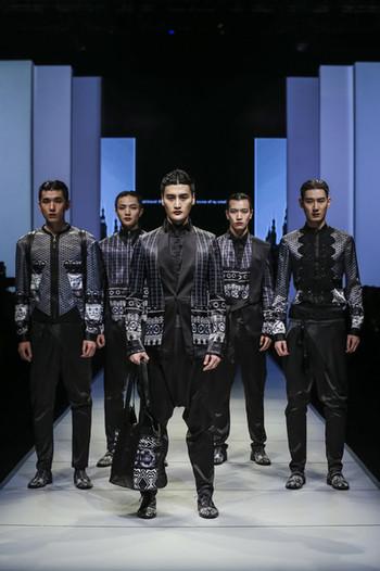 2016哈尔滨国际时装周JIWENBO品牌秀场