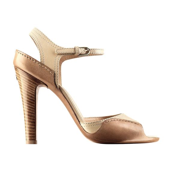 Chanel香奈儿2014春夏高级成衣系列裸色高跟凉鞋