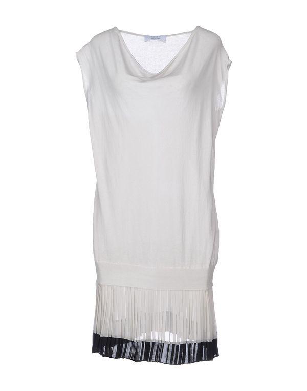 淡灰色 KAOS 短款连衣裙