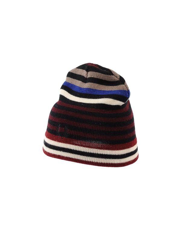 波尔多红 FRED PERRY 帽子