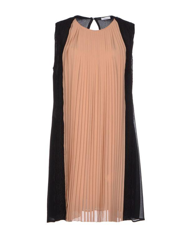 裸色 GOLD CASE 短款连衣裙