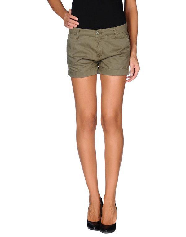 军绿色 CARHARTT 短裤
