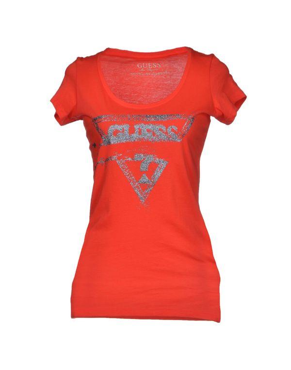 红色 GUESS T-shirt