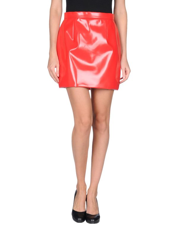 红色 MIU MIU 超短裙