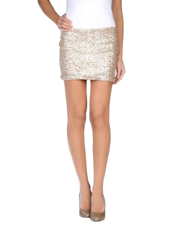 铂金色 KAOS 超短裙