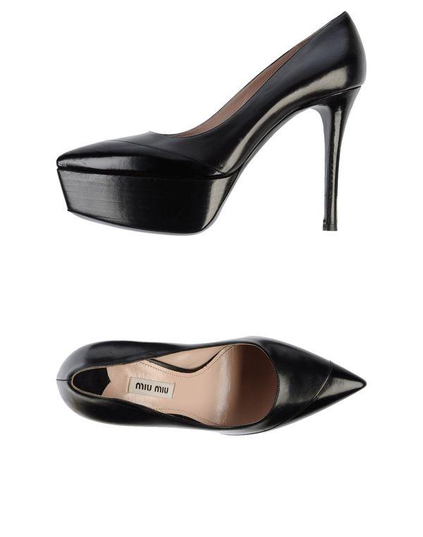 黑色 MIU MIU 高跟鞋