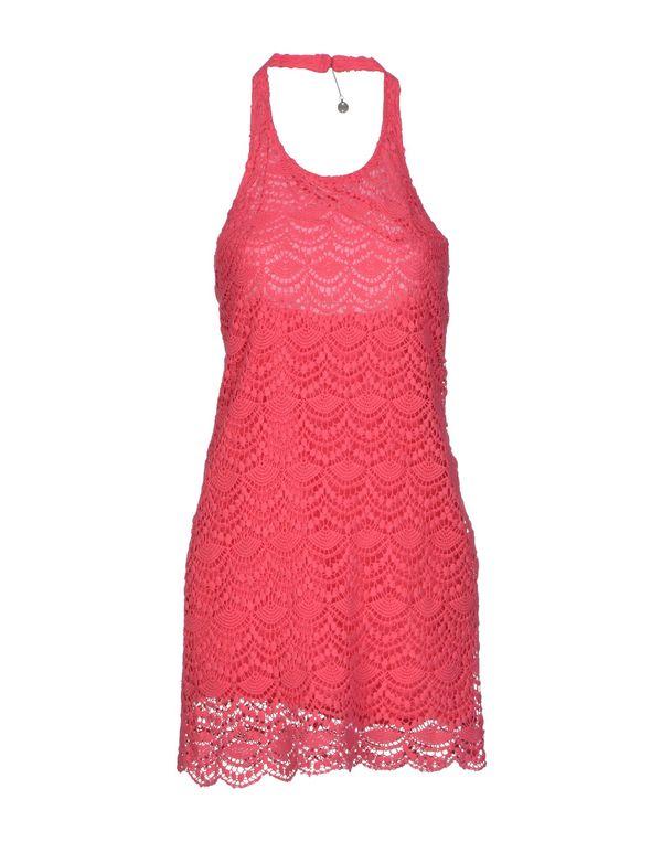 玫红色 GUESS 短款连衣裙