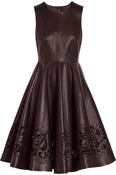 挖剪皮革连衣裙
