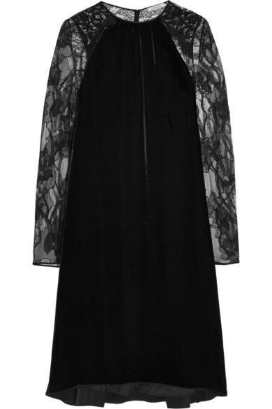 天鹅绒、蕾丝和缎布连衣裙