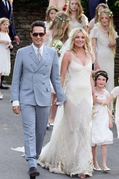 史上18位美人出嫁时的绝世婚纱