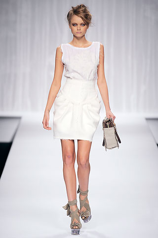Fendi2010春夏时装秀