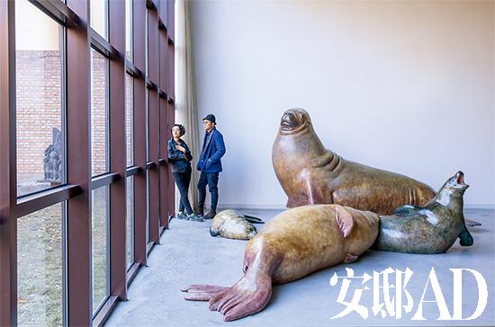 向京的动物雕塑