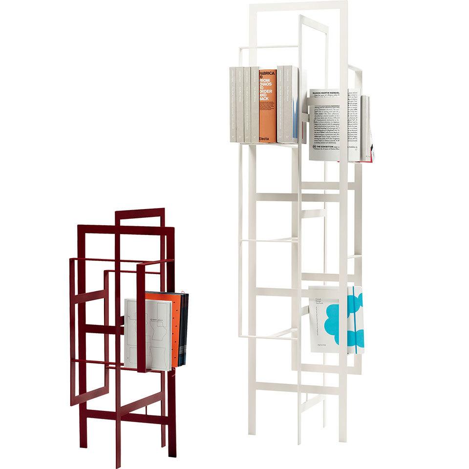 书架 大小不同的框架组合,穿插成置物架,以应对各种大小的画册,杂志