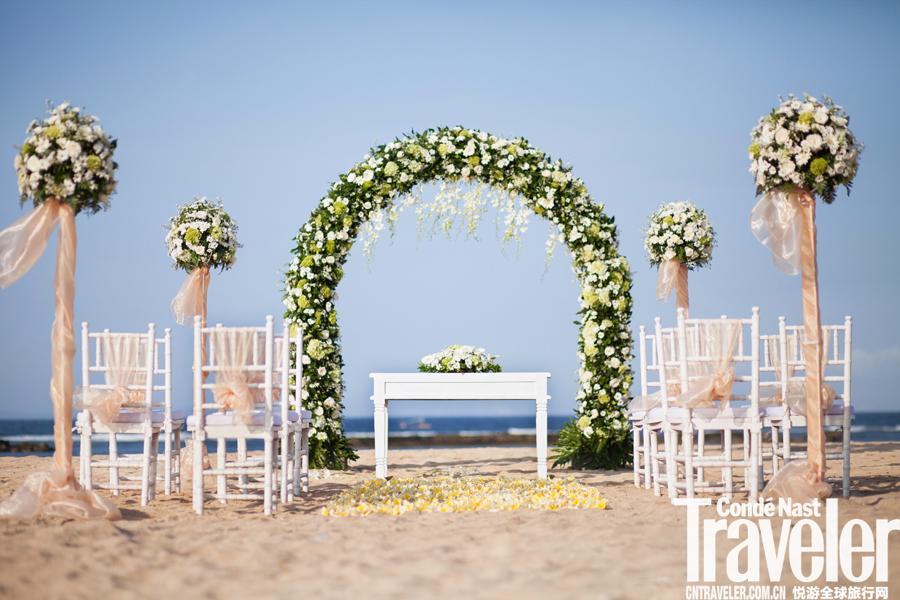 巴厘岛努沙杜瓦海滩度假村:珍宝盒里的闪亮婚礼