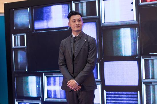 余文乐参观TOMMY HILFIGER上海嘉里中心店开幕典礼
