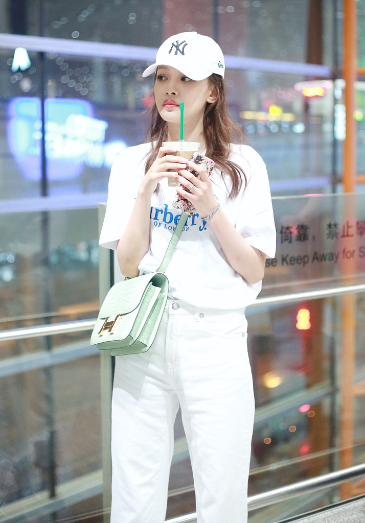 时髦新女性的新选择,从纯白look开始