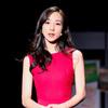 韩雪身着 Loro Piana 春夏系列连衣裙参加《青春同学会》节目录制