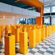"Prada参与举办的 ""策展奖""在雅典推出""浮木,或我们如何在湍流中显露""展览"