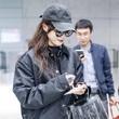 唐嫣机场手拎 Valextra 2017 秋冬系列 Iside 手袋搭配包包专属透明雨衣