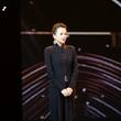 章子怡身着Giorgio Armani出席第七届国际戏剧学院奖颁奖礼