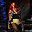 称霸舞台:35 个 Rihanna 用台上造型惊艳全场的时刻