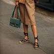 Vogue 時尚百科全書:涼鞋