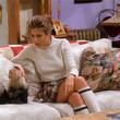 《老友记》中詹妮弗•安妮斯顿 (Jennifer Aniston)挚爱的迷你裙又回来了