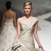 2015春夏婚纱趋势之:华丽宫廷