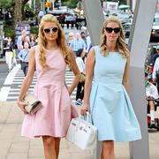 静谧蓝+粉晶 大女人如何穿好流行色
