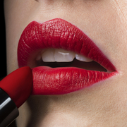 当你在画红唇时应该注意的几件事