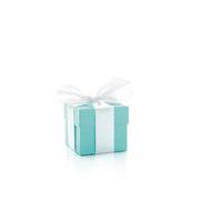 蒂芙尼的蓝色梦幻圣诞:传奇之蓝漫舞圣诞橱窗,呈现假日奇幻盛宴